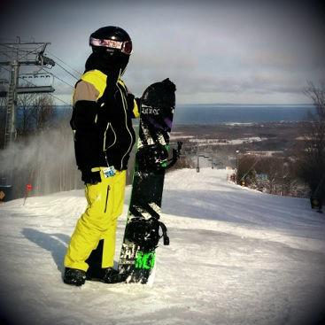 Dr. Dinh Snowboarding